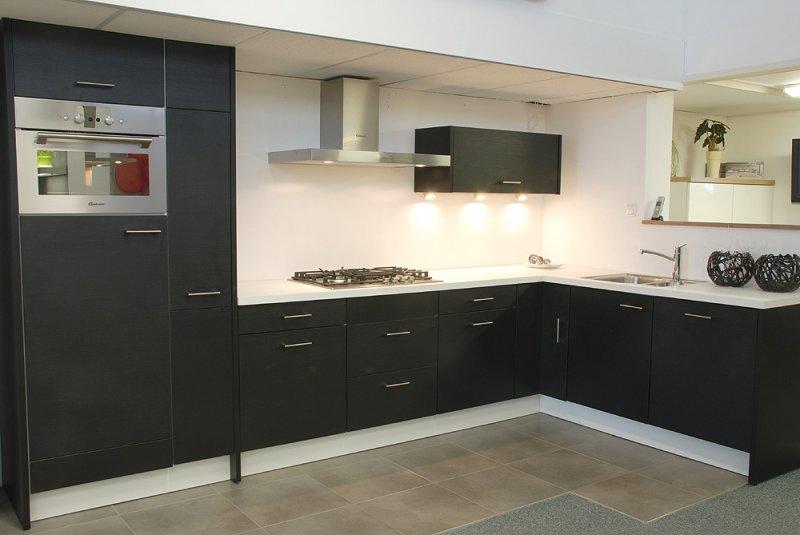 Complete Keuken Inclusief Montage : zwarte hoekkeuken